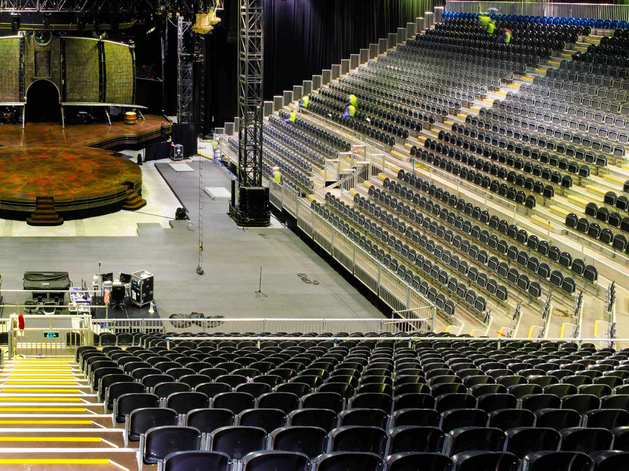 grandstand-seats-events-setup-rental-stadium-seating-sport-management-film-festival-seating-screening-f1-open-air-cinema-11