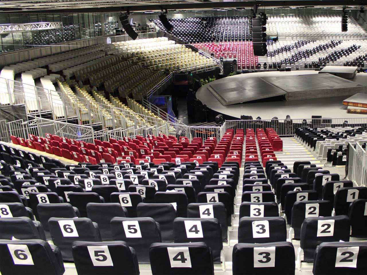 grandstand-seats-events-setup-rental-stadium-seating-sport-management-film-festival-seating-screening-f1-open-air-cinema-16