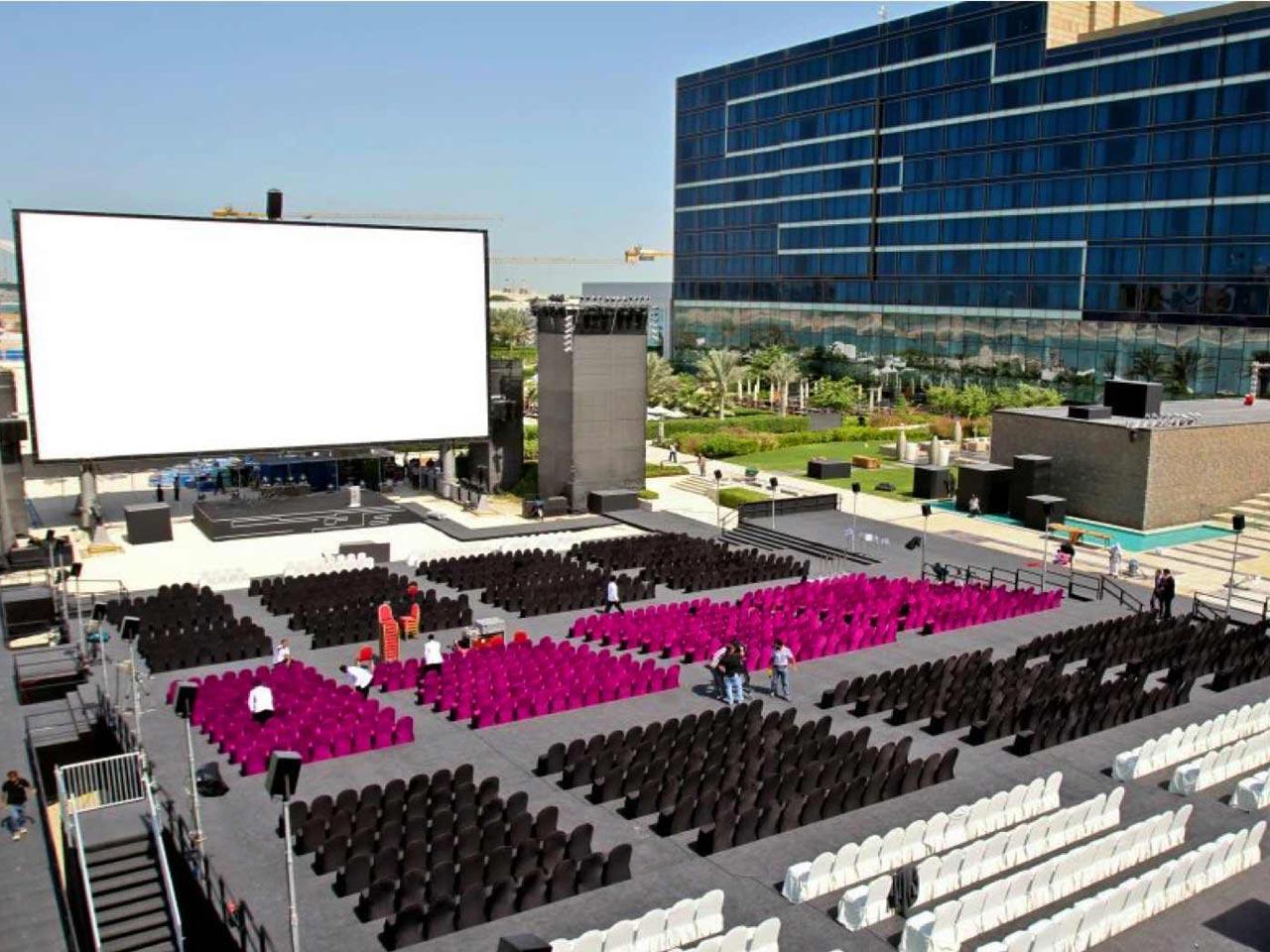 grandstand-seats-events-setup-rental-stadium-seating-sport-management-film-festival-seating-screening-f1-open-air-cinema-30