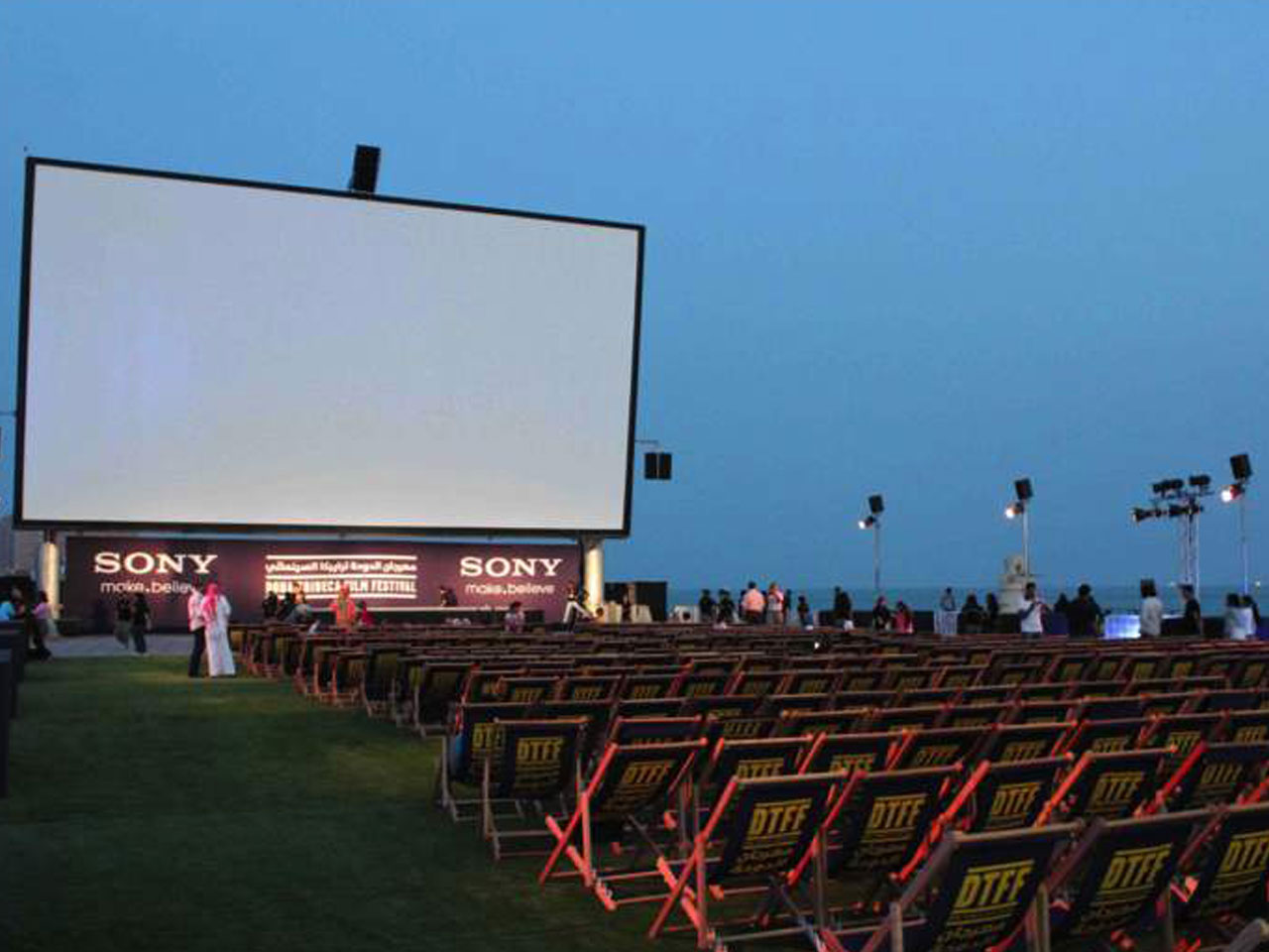 grandstand-seats-events-setup-rental-stadium-seating-sport-management-film-festival-seating-screening-f1-open-air-cinema-35