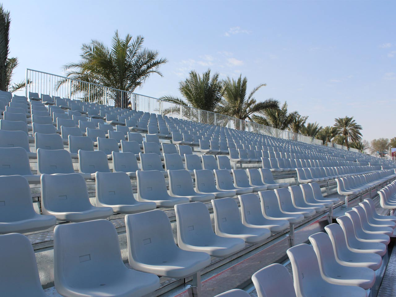 grandstand-seats-events-setup-rental-stadium-seating-sport-management-film-festival-seating-screening-f1-open-air-cinema-8